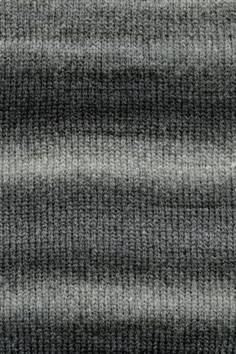 Lang Yarns Novena color 930.0070