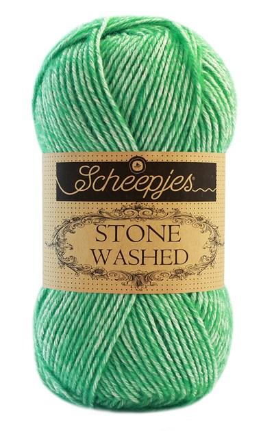 Scheepjes Stone Washed 826 Forsterite - menthol groen