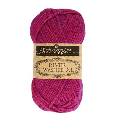 Scheepjes River Washed XL 982 steenbras - zacht rood