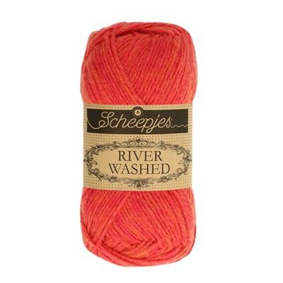 Scheepjes River Washed 946 Mississippi - rood oranje