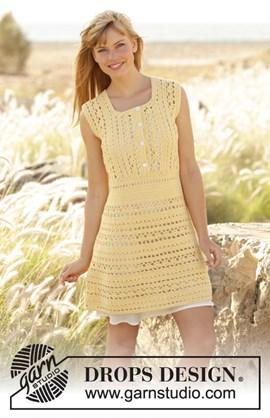 Gehaakte DROPS jurk van Cotton Merino. ....