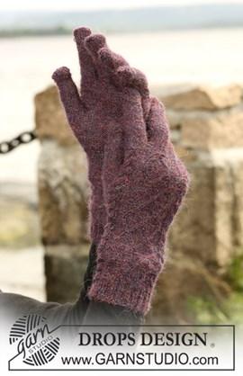 DROPS Handschoenen met kabels van ....