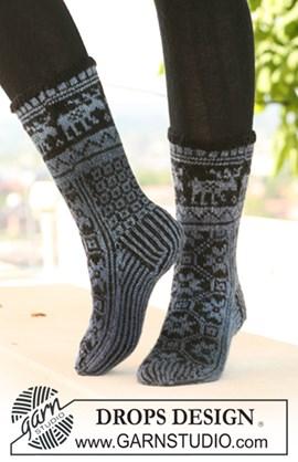 DROPS sokken met patroon van Delight en Fabel.