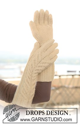 Lange gebreide DROPS handschoenen van ....