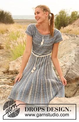 Gebreide DROPS jurk met zijdelings ....