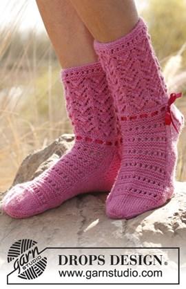 Gebreide sokken met kant patroon van ....