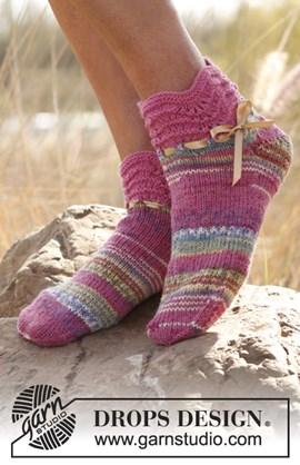 Gebreide korte sokken met golven ....