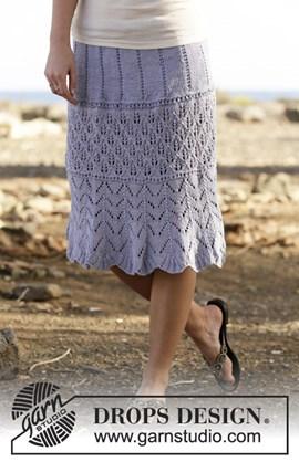 Gebreide rok met kantpatroon.