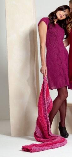 Gebreiden jurk met ajour patroon.