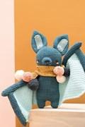 Haakpatroon vleermuis Hugo, gemaakt van ....