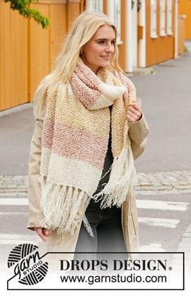 Deze prachtige brede sjaal is gebreid ....