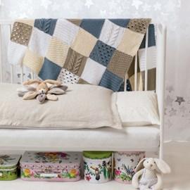 lang Yarns Brei/haakpatroon baby deken met kabelpatroon, gemaakt van Lang Yarns Tissa.