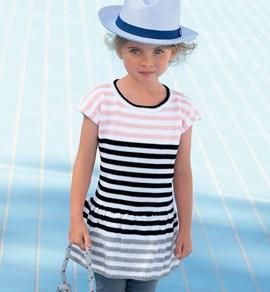 Een leuk, zomers jurkje met strepen.