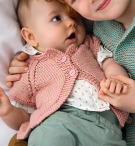Breipatroon babyvest met korte mouwen ....