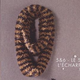 Gebreide dames sjaal.