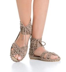 Gehaakte dames espadrilles slippers.