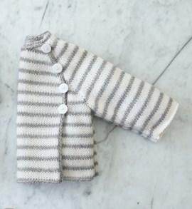 Gebreide streepjes trui voor baby s.