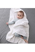 Gebreide babydeken met ruitpatroon. ....