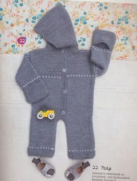 Breipatroon babypakje met capuchon en ....