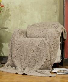 lang Yarns Breipatroon deken in verschillende stekenpatronen van het Lang Yarns garen Malou/  Formaat: ca 142 a 220 cm