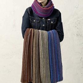 lang Yarns Breipatroon ronde sjaal, gemaakt van Lang Yarns Tosca Light.  Formaat; 36x110 cm