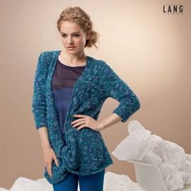 Gebreide trui met draai aan de voorkant.