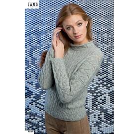Gebreide dames trui met kabelpatroon.