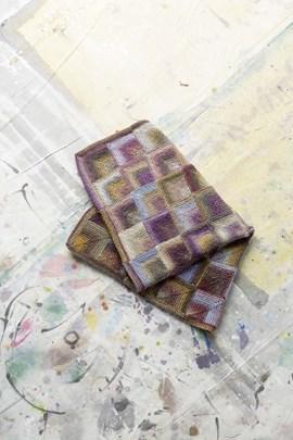Gebreide deken met vierkantjes. 76x94 cm