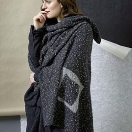 lang Yarns Breipatroon omslagdoek, gemaakt van Lang Yarns Freya.  Formaat; 80x170 cm