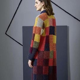 lang Yarns Breipatroon lang geblokt vest, gemaakt van Lang Yarns Alpaca Superlight en Mohair Luxe.