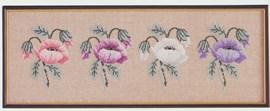 Borduurwerk van anemonen.