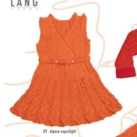 Gebreide jurk met korte mouwen.