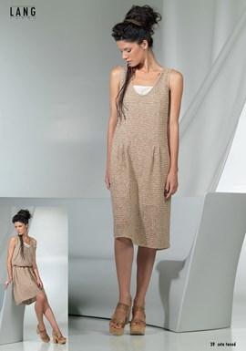 Gebreide jurk met v hals.
