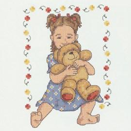 Geborduurd meisje met knuffelbeer.