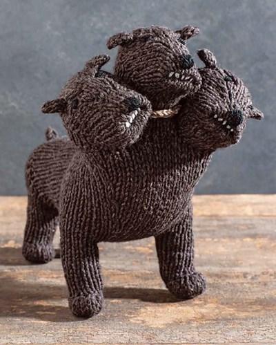 Breipatroon Pluisje de driekoppige hond