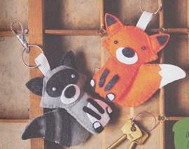 Vos en wasbeer sleutelhanger.