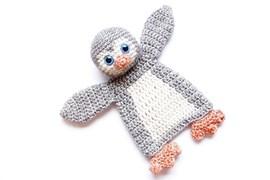 Gehaakte pinguin lappenpop. 18x10 cm