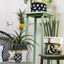 Haakpatroon plantenmandjes, gemaakt van ....