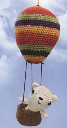 Lief beertje in een luchtballon.