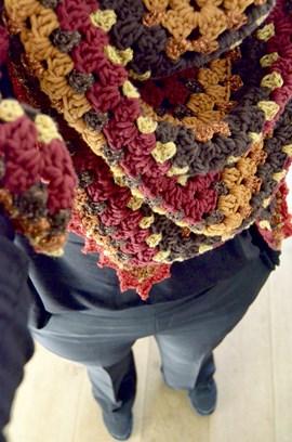 Haakpatroon omslagdoek 230 a 94 cm