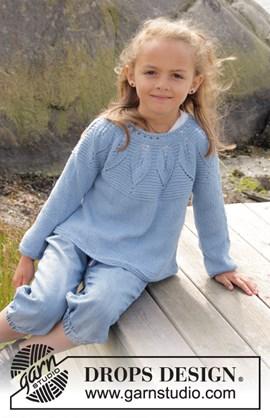 Gebreide trui met blaadjes patroon.